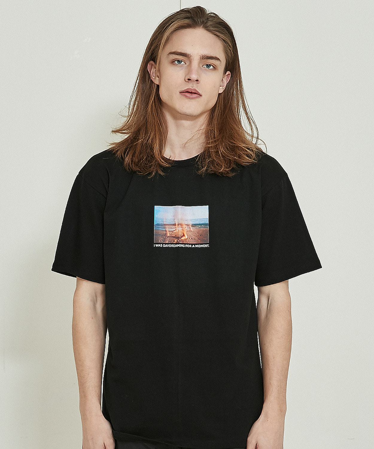 Day Dreaming Half T-Shirts (Black)