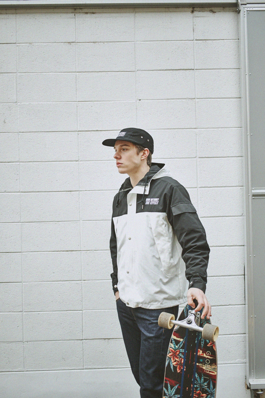 WINDBREAKER WHITE/BLACK