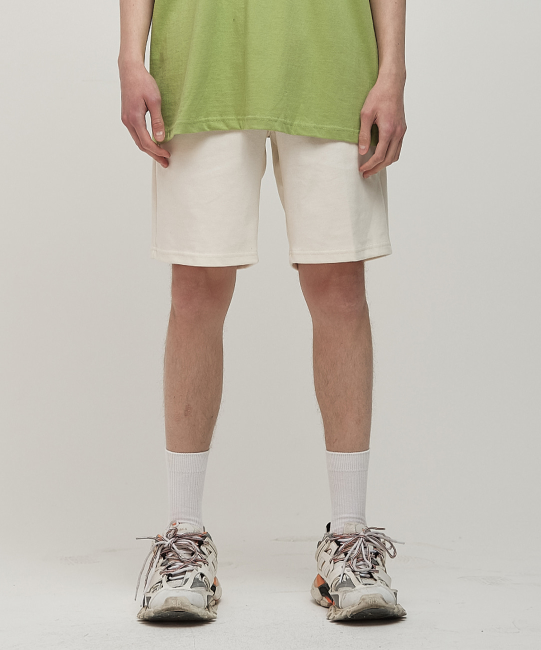 DWS LABEL SHORTS(IVORY)