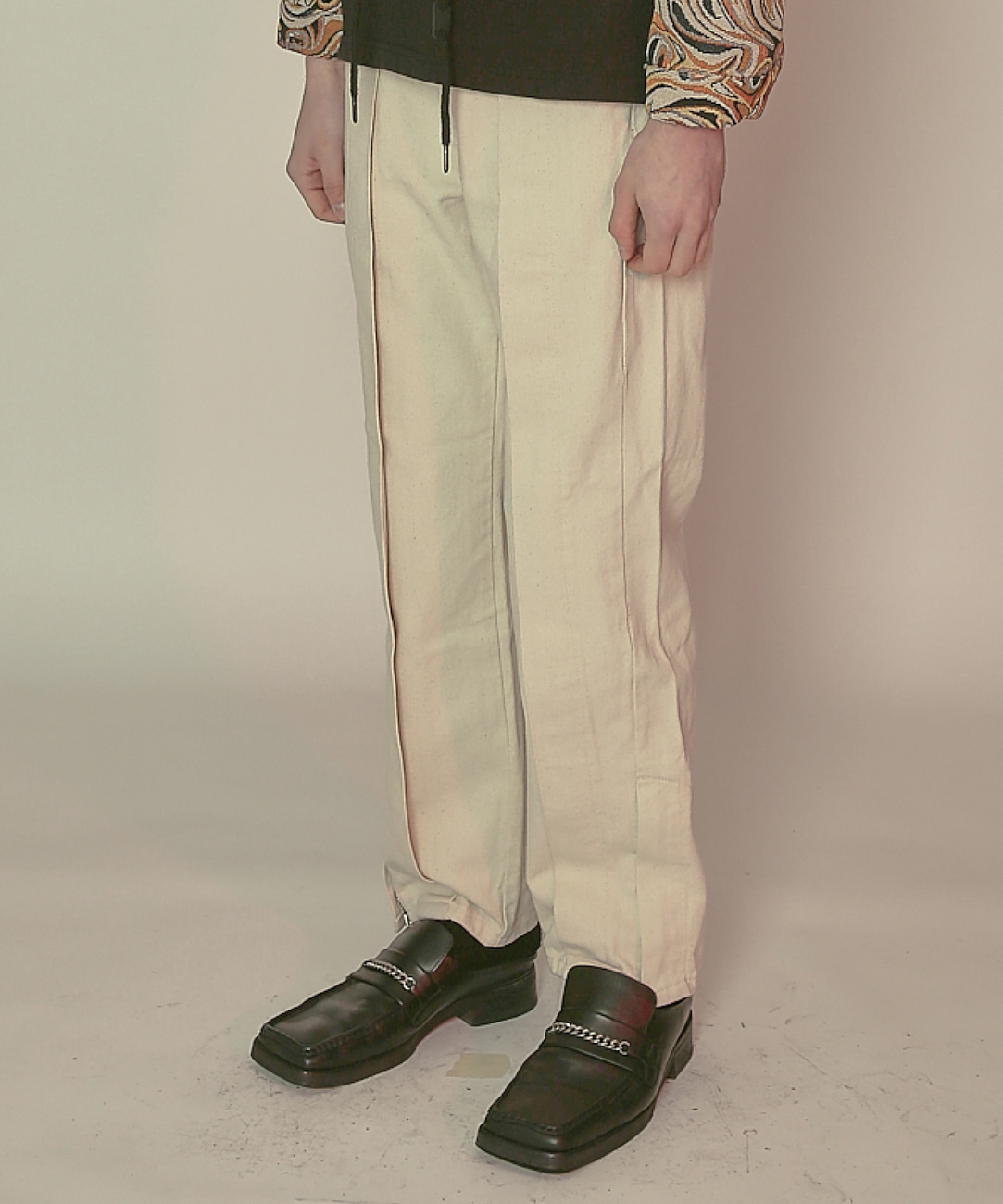 DWS SIDE ZIP-UP DENIM TROUSERS(IVORY)